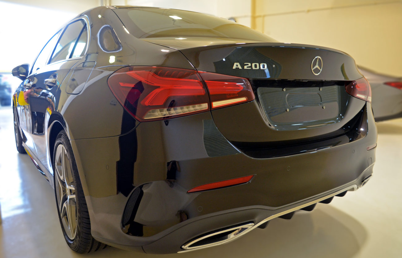 Mercedes Saloon p3