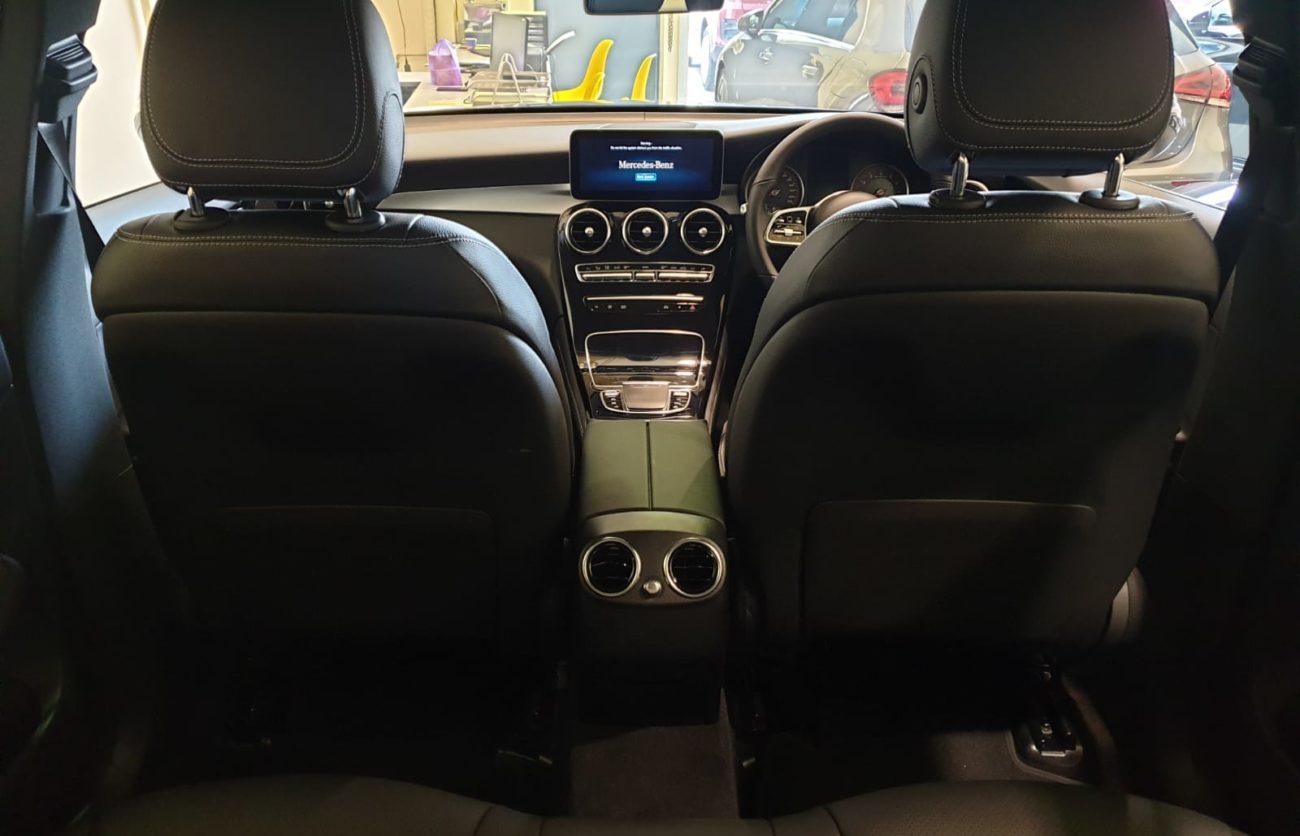 M9 Mercedes-Benz GLC300 Sport Edition