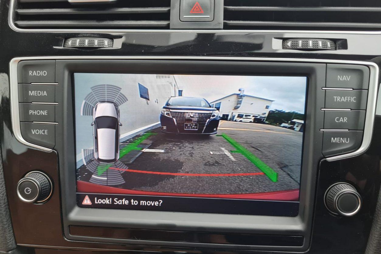 Volkswagen Golf Screen-2