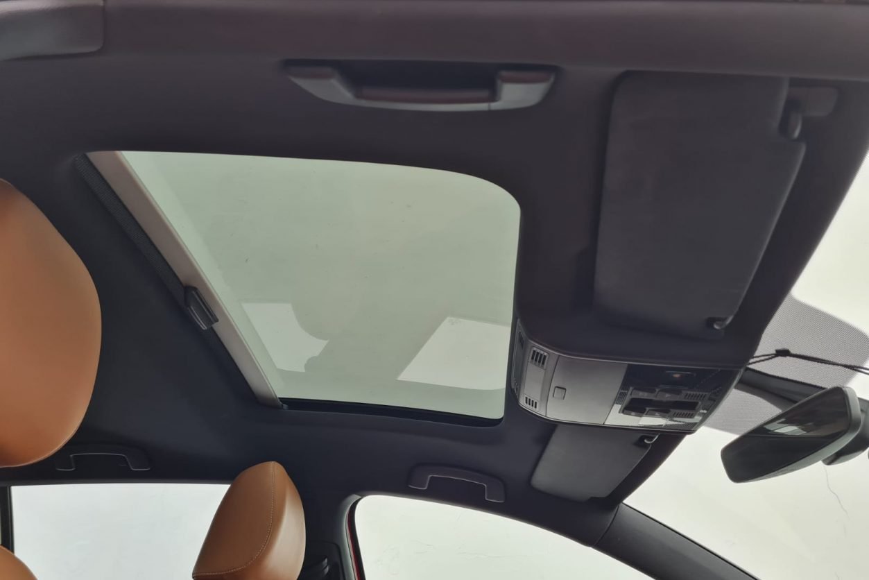 Volkswagen Golf Sunroof