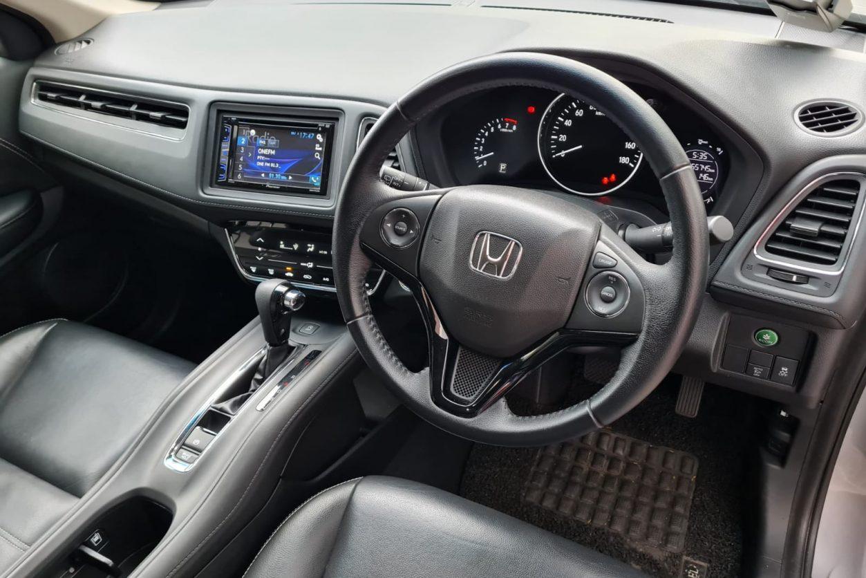 Honda Vezel 1.5AX Driver Seat